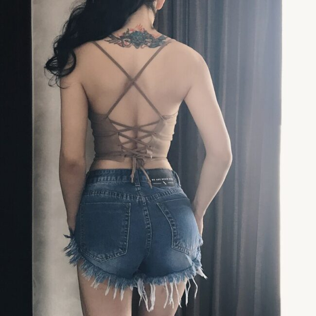 2017 Summer Backless Straps Tank Top Women Very Sexy Spaghetti Straps Short Top Halter Slim Type A Little Elastic Thin Fabric 5
