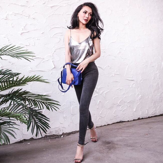 2017 Summer Glistening Fabric Tank Top Women Metal Style  Loose Type Spaghetti Straps Thin Elastic One Size Fits All 3